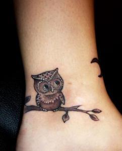 tatuagem-feminina-corujinha